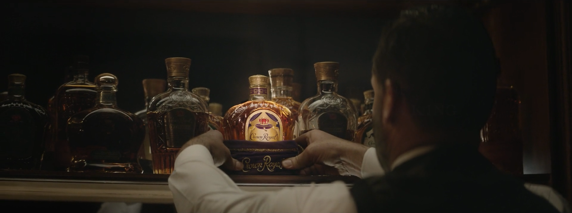 CrownRoyal-The-One-Made-For-A-King.00_01_24_22.Still030